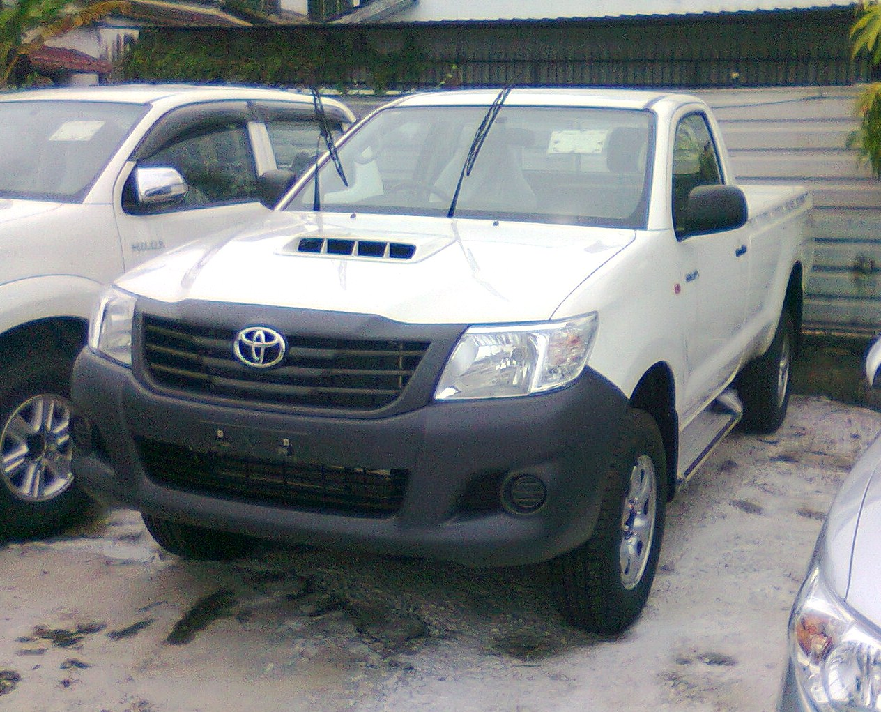2013 brand new toyota hilux 4 4 toyotanewcars. Black Bedroom Furniture Sets. Home Design Ideas
